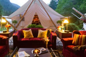 luxury-lodges-camps-outside-lounge-bistro-tent-300x200