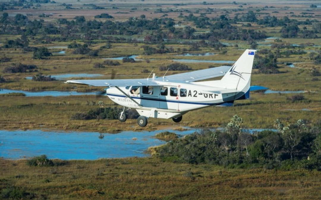 African safari Botswana Xigera camp, light aircraft