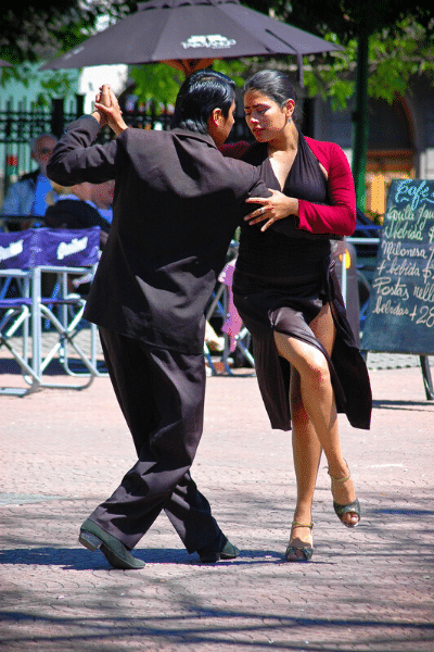 tango dancers, Buenos Aires travel